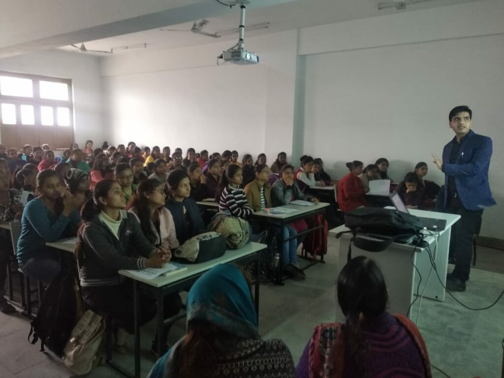 Class-11th-Commerce-Coaching-In-Varanasi